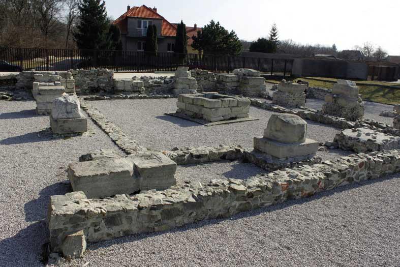 I resti del castellum quadrangolare di Gerulata